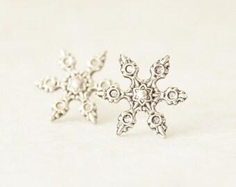 Snowflake Earrings * Oxidized Silver Snowflake Stud Earrings * Winter Earring * Snowflake Jewelry * Christmas Gift