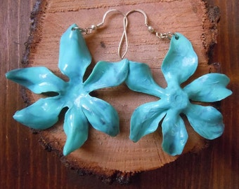 Flowers earrings in turquoise paste
