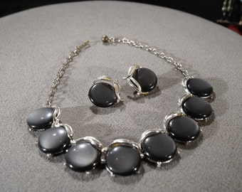 Vintage Art Deco Style Silver Tone Lucite Set Clip On Earrings Necklace Adjustable Gun Metal Grey Jewelry   K