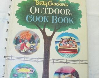 1961 Betty Crocker's Outdoor Cookbook, Vintage Betty Crocker Grilling  Cookbook