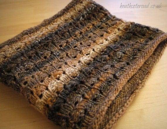 Knitting Circle Toronto : Kuri reversible cowl hand knitting pattern for sock or