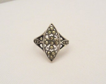 Vintage Sterling Silver Marcasite Ladies Ring Size 7