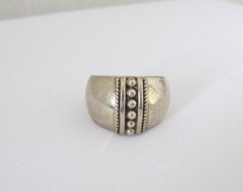 Vintage Sterling Silver Domed Ring Size 7