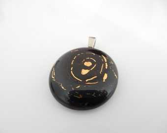 Glass pendant (Glasanhänger) with a fused genuine gold decoration