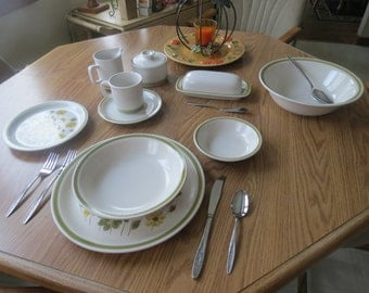 ON SALE! 1970s Spring Bouquet Stoneware Dinnerware Set/Salad Plate