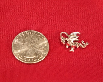 """10pc """"dragon"""" charms in antique silver style (BC603)"""