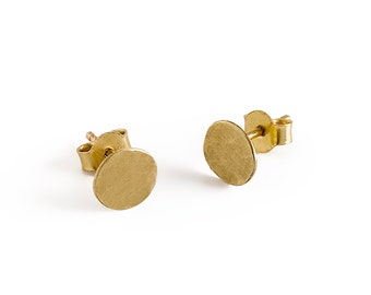 7 mm Gold Stud Earrings 14k Solid Gold Hammered Flat Round Post Earrings, Gold Jewelry
