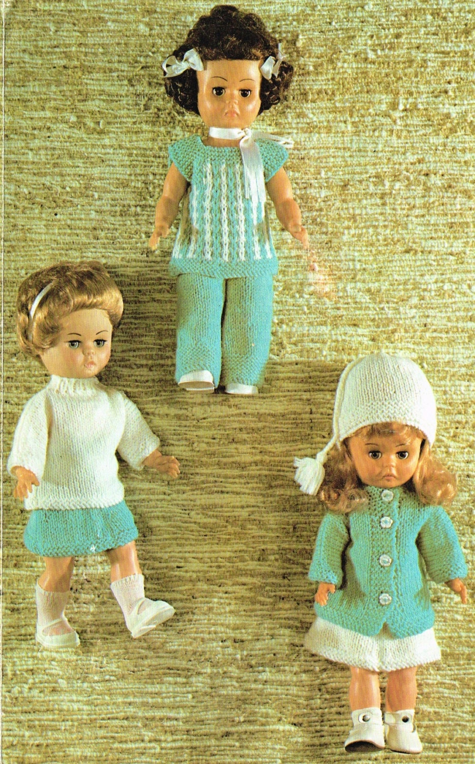 Dolls clothes knitting pattern. 14 inch doll. Vintage copy.