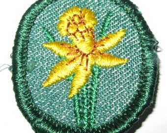 "Vintage Girl Scout Troop Crest ""Daffodil"" circa 1950's"