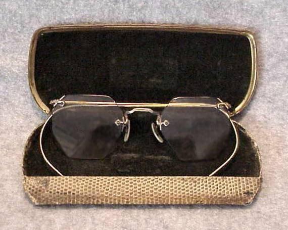 10k Gold Eyeglass Frames : Antique 10K Gold Octagon Rimless EYEGLASSES in a Lizard Skin