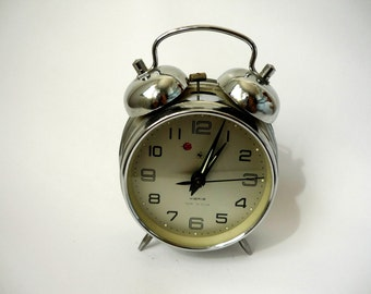 Mechanical clock, alarm clock, silver colour, retro clock, working condition,Chinese clock, home decor