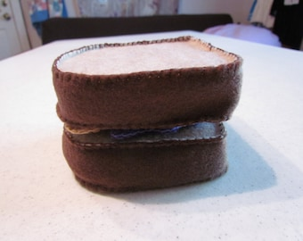 felt peanut butter and jelly sandwich