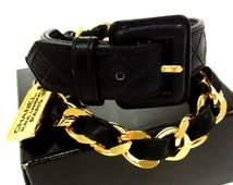 CHANEL Vintage Quilted Caviar Leather/Gold Chain Link Belt With Cambon Rue Charm