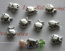 10 pcs - 38 mm x 28 mm Fish Beads Antique Silver Leaf free Pewter