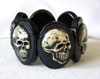 Skeleton cameo stretch bracelet