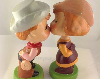 Kissing Bobble Head Kiss Me Kids Western Bobble Heads cowboy and cowgirl