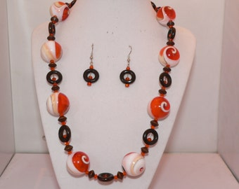 Natural Shell, Glass Round Beads, Wooden Beads and Swarovski Crystal Accent Set