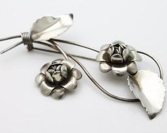 Vintage 1940s LARGE Sterling Silver Flower Spray Coat Brooch. [2571]