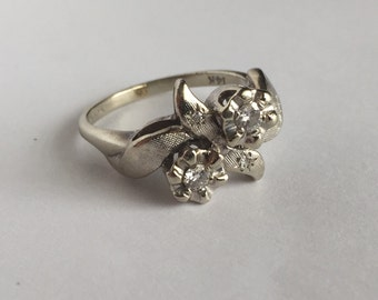 Mid-century flower ring 14K white gold and diamond