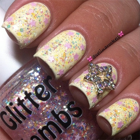Cotton Candy Glitter Nails: It's Snowing Cotton Candy: Christmas Glitter Topper Nail