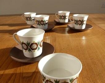 """Figgjo Flint """"Rolf"""" set of 2 hand-painted, silkscreen tea cups, saucers plus sugar bowl.  Norwegian, Scandinavian. Ex cond"""