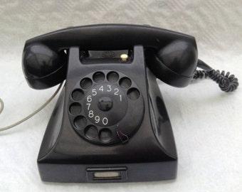 Vintage 1950s Ericsson black bakelite telephone