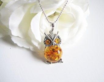 Honey Baltic Amber Necklace, Natural Baltic Amber From Poland, Amber Owl Pendant, Light Brown Honey Amber Choker, Diamond Cut Silver Chain