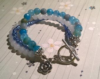 Moody blue beaded bracelet
