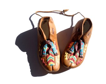 Vintage Native American Pair of Moccains, Indian Shoes, Southwestern Decoration