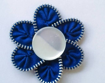 Zipper Flower Brooch - Blue with White Button