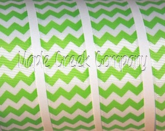 "1"" Apple Green Chevron on White Grosgrain Ribbon 1"" x 1 yard"