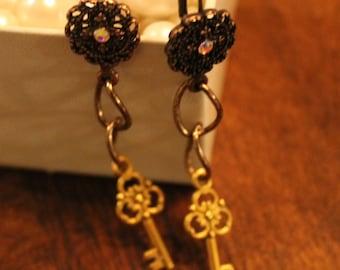 Lovely Golden Key Dangle Earrings