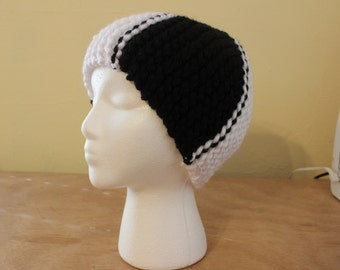"Black and white ""ying yang"" knit cloche hat"