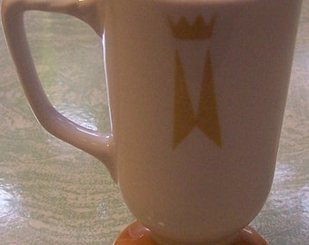 Vintage Homer Laughlin china mug crown design