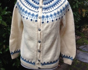 Husfliden, Norwegian sweater hand knitted in Arendal, Norway. Size S/M