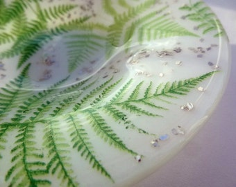 Pale Green 'Forest Fern' Hand-made Fused Glass Dish / Bowl (14cm diameter)