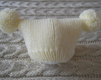 Cream hand knitted baby hat with two pompoms, unique and cute hat for newborn, knit hat with two pom poms, photo prop