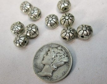 Silver Pewter Puffed Flower Bead 7mm (10)