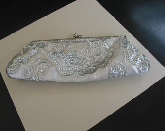 Elegant Vintage Ivory Satin Clutch Purse Accented With Ivory Sequins