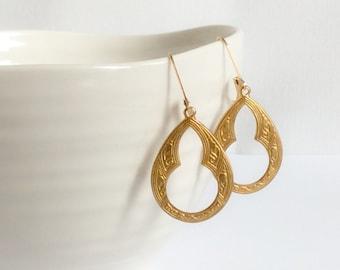 Small Gold Celtic Earrings
