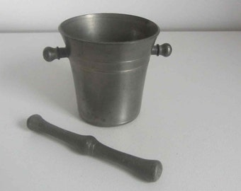 Vintage apothecary mortar and pestle pewter