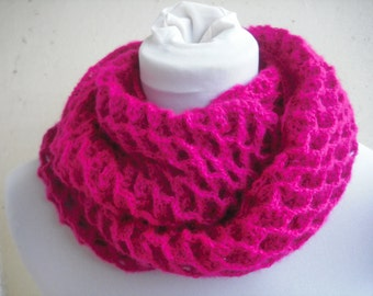 Loop scarf in the patterning