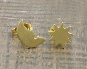 925 vermeil gold happy crescent moon and star stud earrings (E_00060)