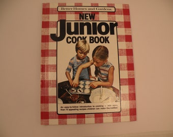 Better Homes and Gardens New Junior Cook Book Large Format Edition 1983 Hardcover Children's Cook Book