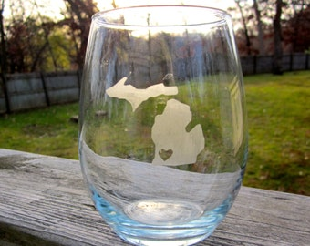 I LOVE MICHIGAN- Stemless Wine Glass with Clear Heart