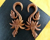 5mm Growing Flower Wood Earrings 4 gauge - 5 mm Stretch Gauged Earrings -  Wood 4g Hand Carved Flower Stretch Earrings -A025