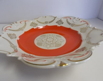Vintage Fruit / Salad Serving Bowl with Scalloped Edges