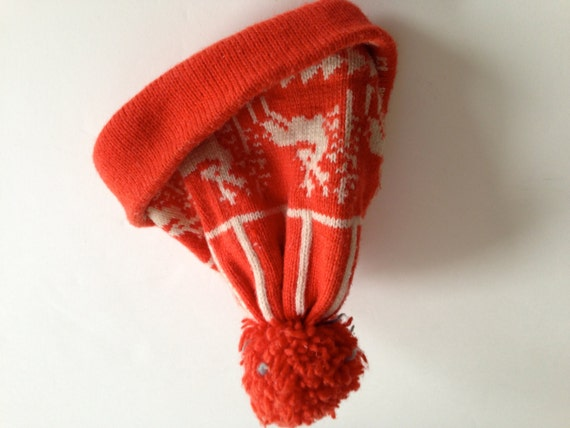 Vintage 1980s Obermeyer US BOBCAP BEANIE | Orange and Off-White | Reindeer Pattern | Pom Pom | Size Small