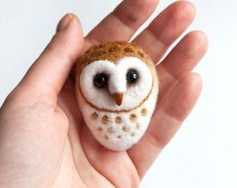 Barn Owl - Hand Felted Brooch - Wool Animal - Owl pin - Felt owl jewelry - Birds jewelry - Wood birds brooch - Bird brooch - For her