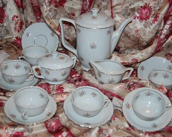 Porcelain China Bavarian Waldassen Tea or luncheon set for 6  includes Teapot